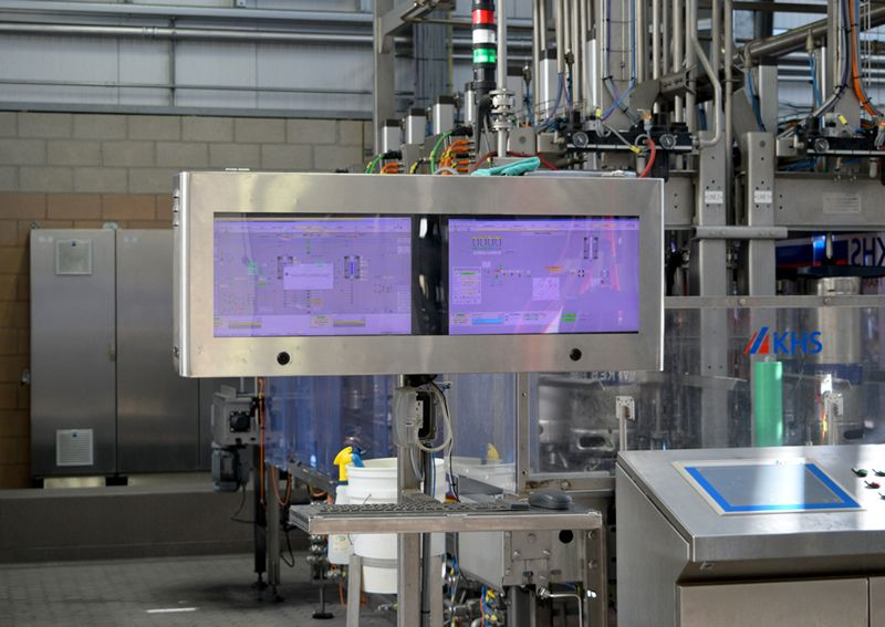 Stainless Steel Monitor / TV Enclosure for Beverage Processor, NEMA 4X Washdown Ready.